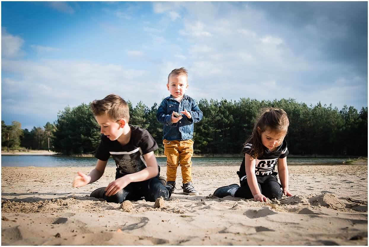 Gezinsshoot_Familieshoot_Fotoshoot_Herpen_Huisseling_Oss_Ongedwongen_Fotograaf_Fotoshoot_Kinderen_0004.jpg