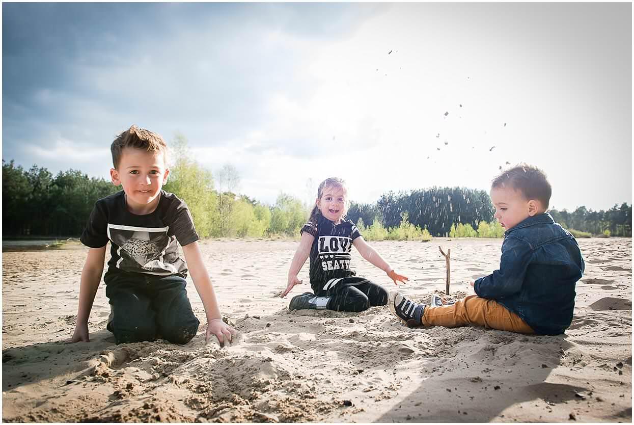 Gezinsshoot_Familieshoot_Fotoshoot_Herpen_Huisseling_Oss_Ongedwongen_Fotograaf_Fotoshoot_Kinderen_0005.jpg