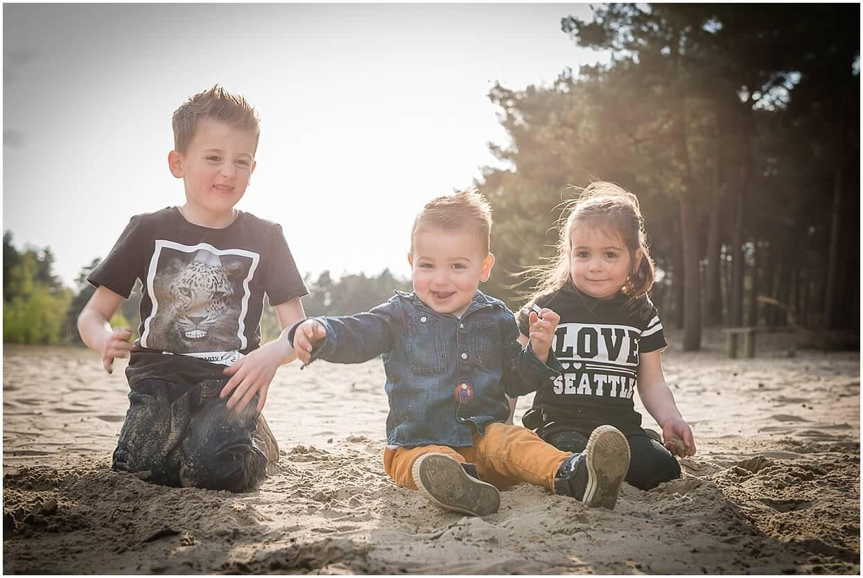 Gezinsshoot_Familieshoot_Fotoshoot_Herpen_Huisseling_Oss_Ongedwongen_Fotograaf_Fotoshoot_Kinderen_0007.jpg