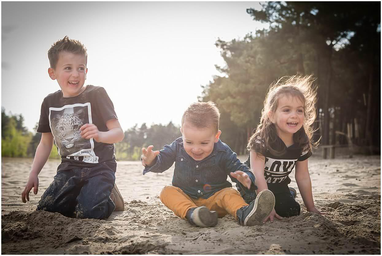 Gezinsshoot_Familieshoot_Fotoshoot_Herpen_Huisseling_Oss_Ongedwongen_Fotograaf_Fotoshoot_Kinderen_0008.jpg