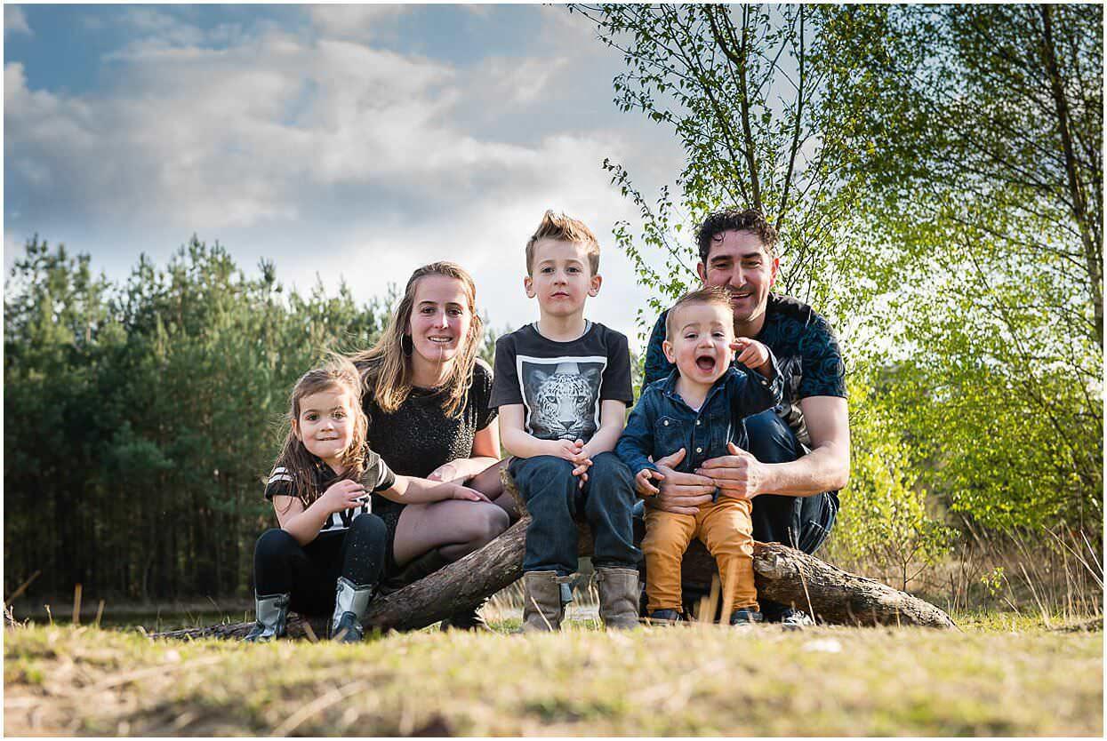 Gezinsshoot_Familieshoot_Fotoshoot_Herpen_Huisseling_Oss_Ongedwongen_Fotograaf_Fotoshoot_Kinderen_0010.jpg