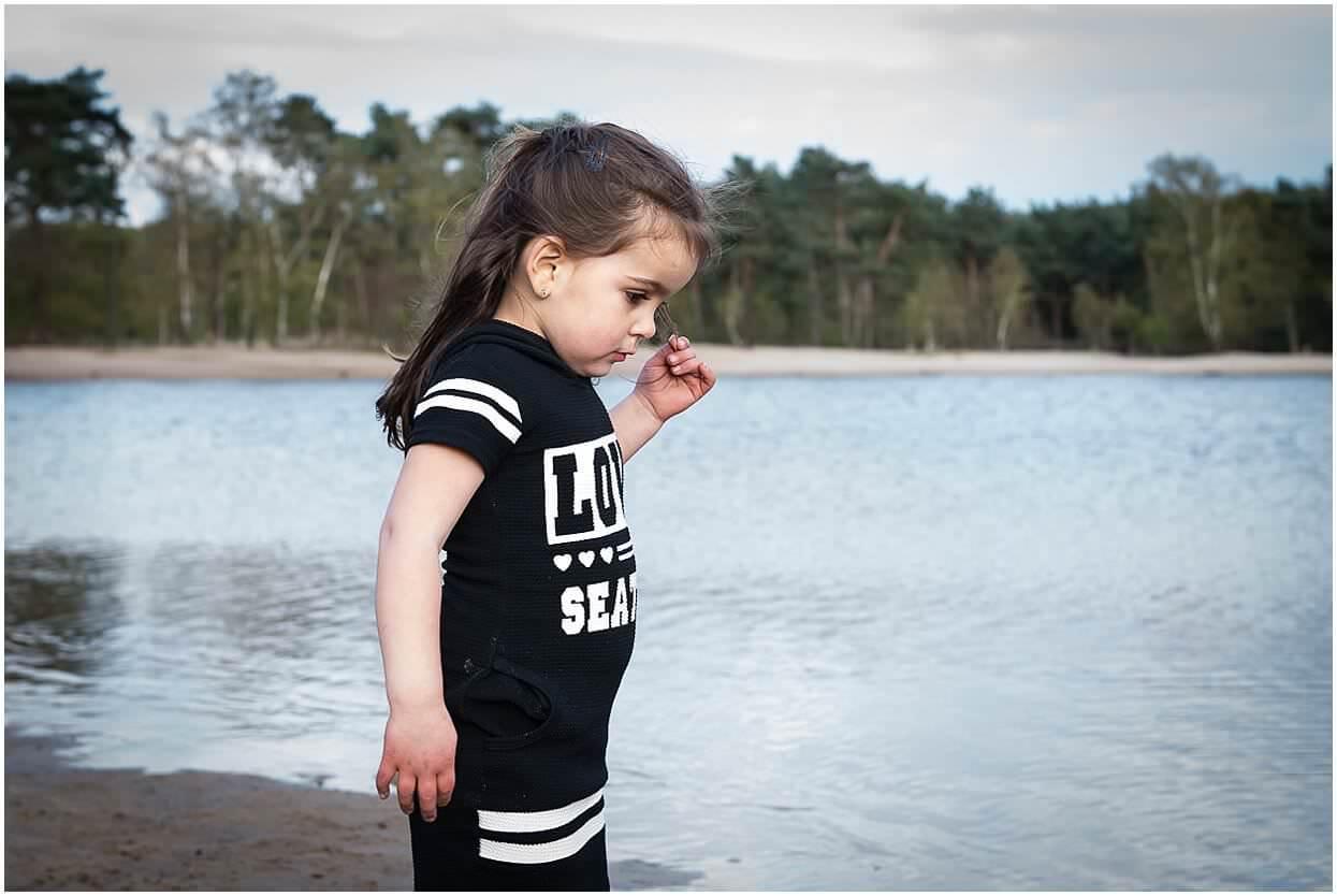 Gezinsshoot_Familieshoot_Fotoshoot_Herpen_Huisseling_Oss_Ongedwongen_Fotograaf_Fotoshoot_Kinderen_0016.jpg