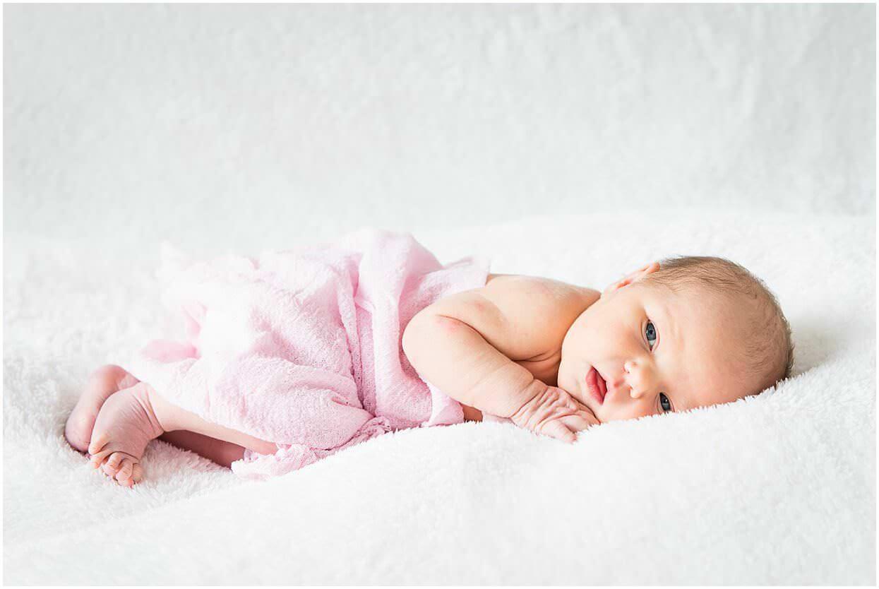 Newbornshoot_Lifestyleshoot_Newborn_Herpen_Vught_Ongedwongen_Fotograaf_Oss_0009.jpg