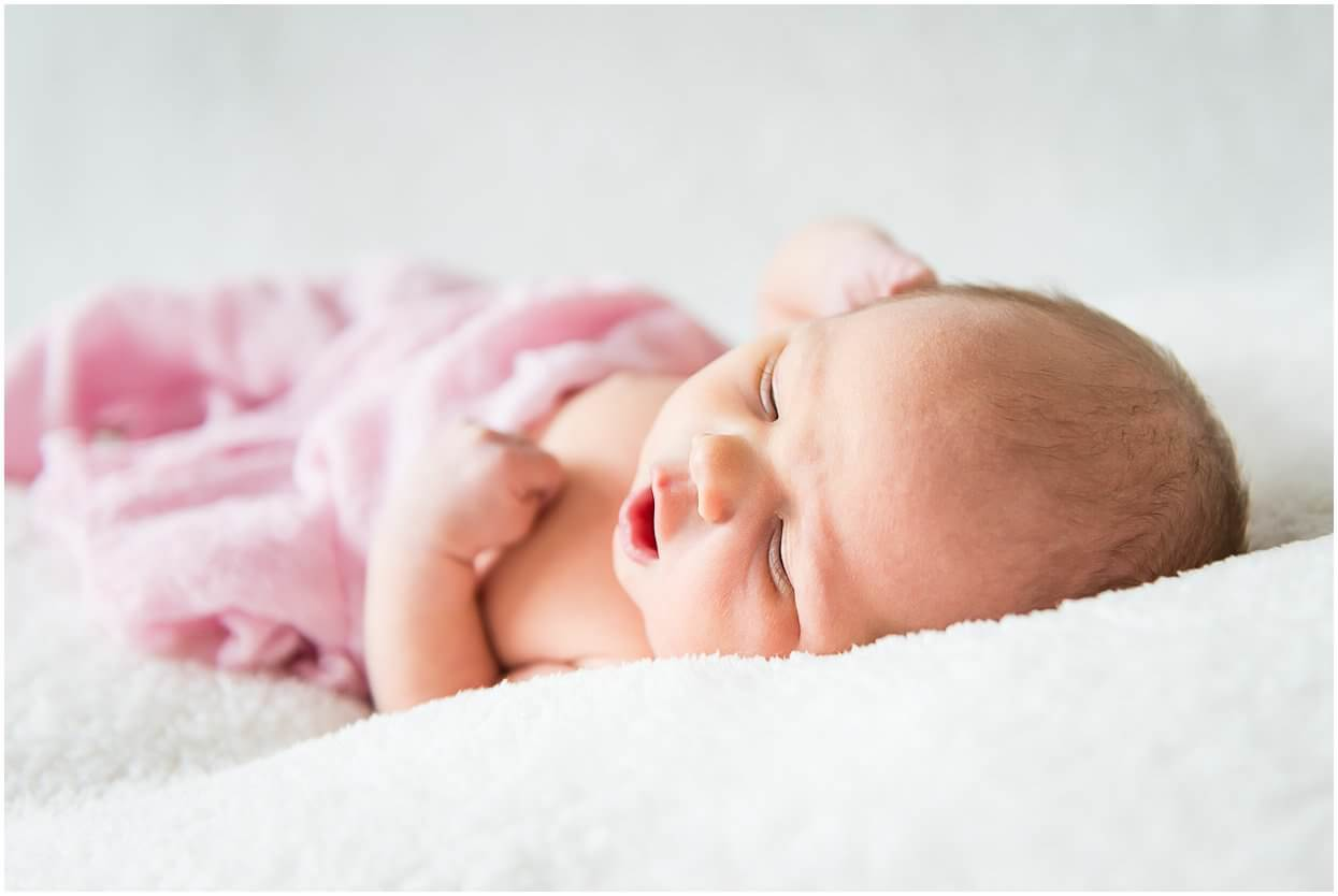 Newbornshoot_Lifestyleshoot_Newborn_Herpen_Vught_Ongedwongen_Fotograaf_Oss_0010.jpg