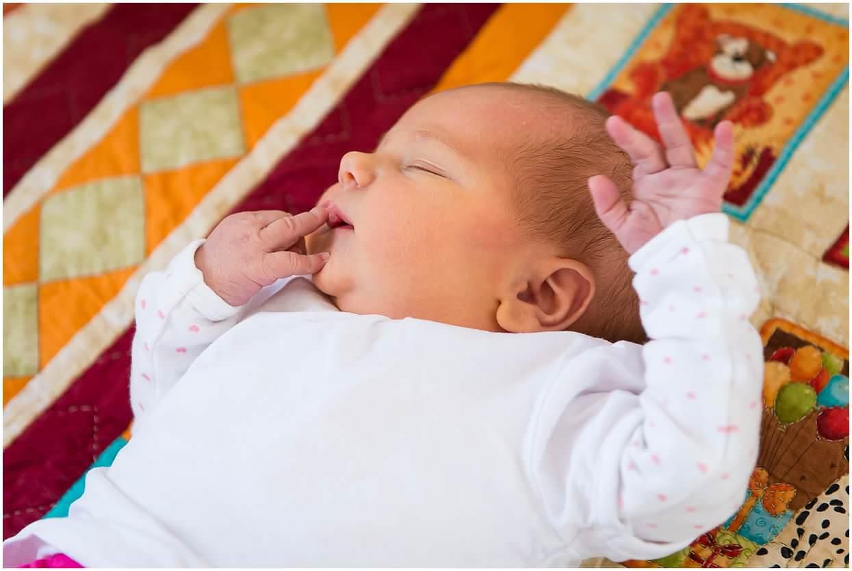 Newbornshoot_Lifestyleshoot_Newborn_Herpen_Vught_Ongedwongen_Fotograaf_Oss_0021.jpg