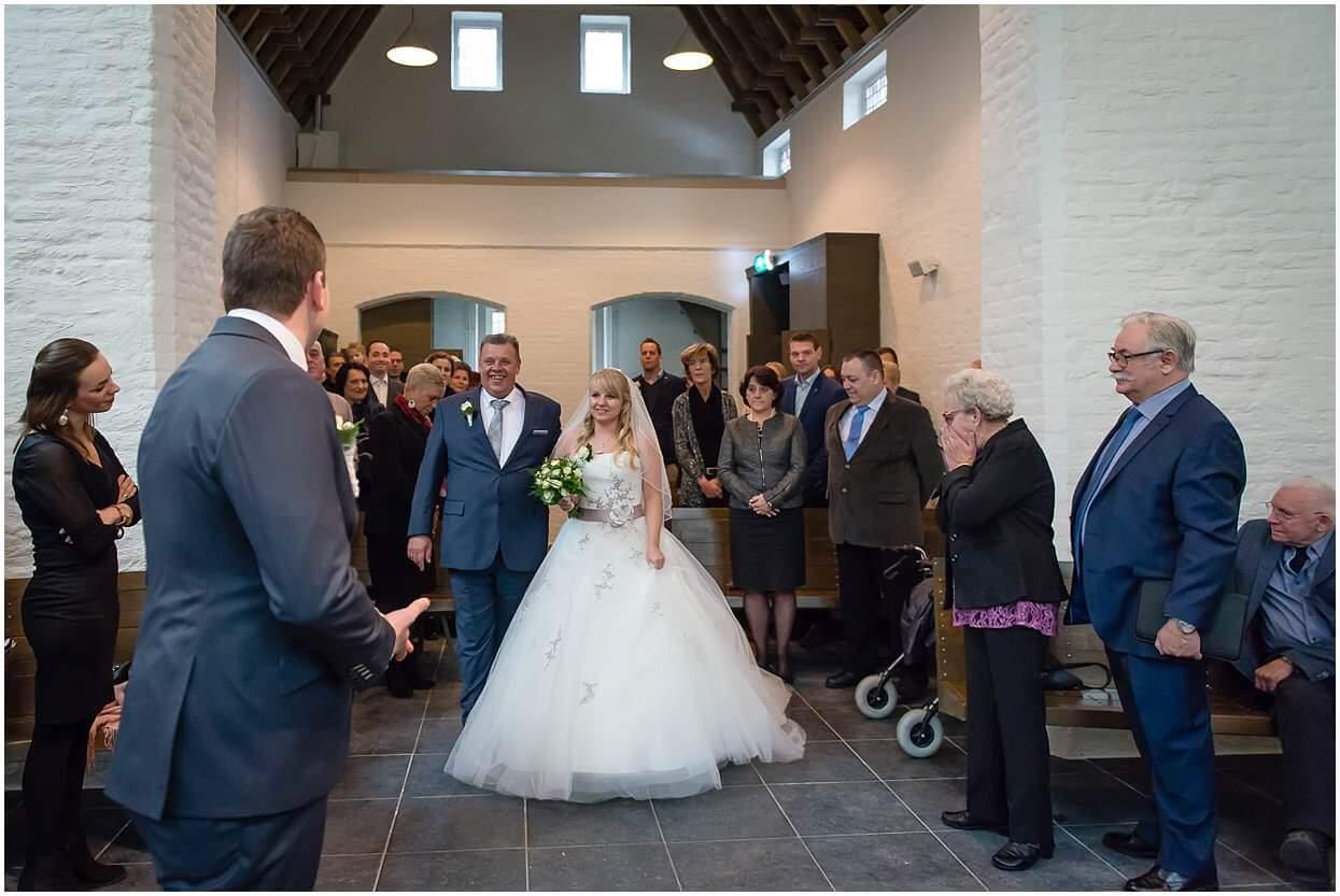 Bruidsfotograaf, Cuijk,Mill, Dennis & Cardisha, Sandy Peters, trouwfotograaf, Onze lieve vrouwe kapel st Agatha 0017.jpg