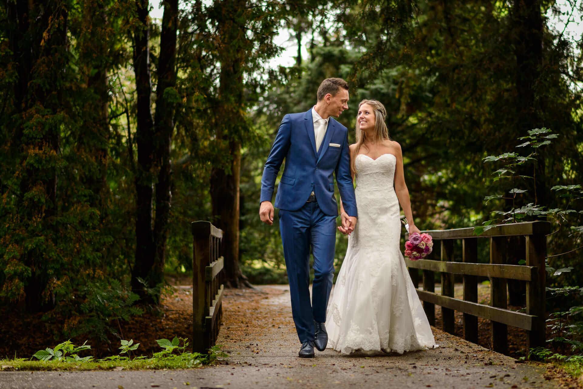 Bruiloftsfotografie-in-de-tuin-van-Raadhuis-in-Vught