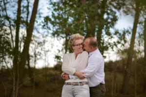 Loveshoot door bruiloft fotograaf Sandy Peters