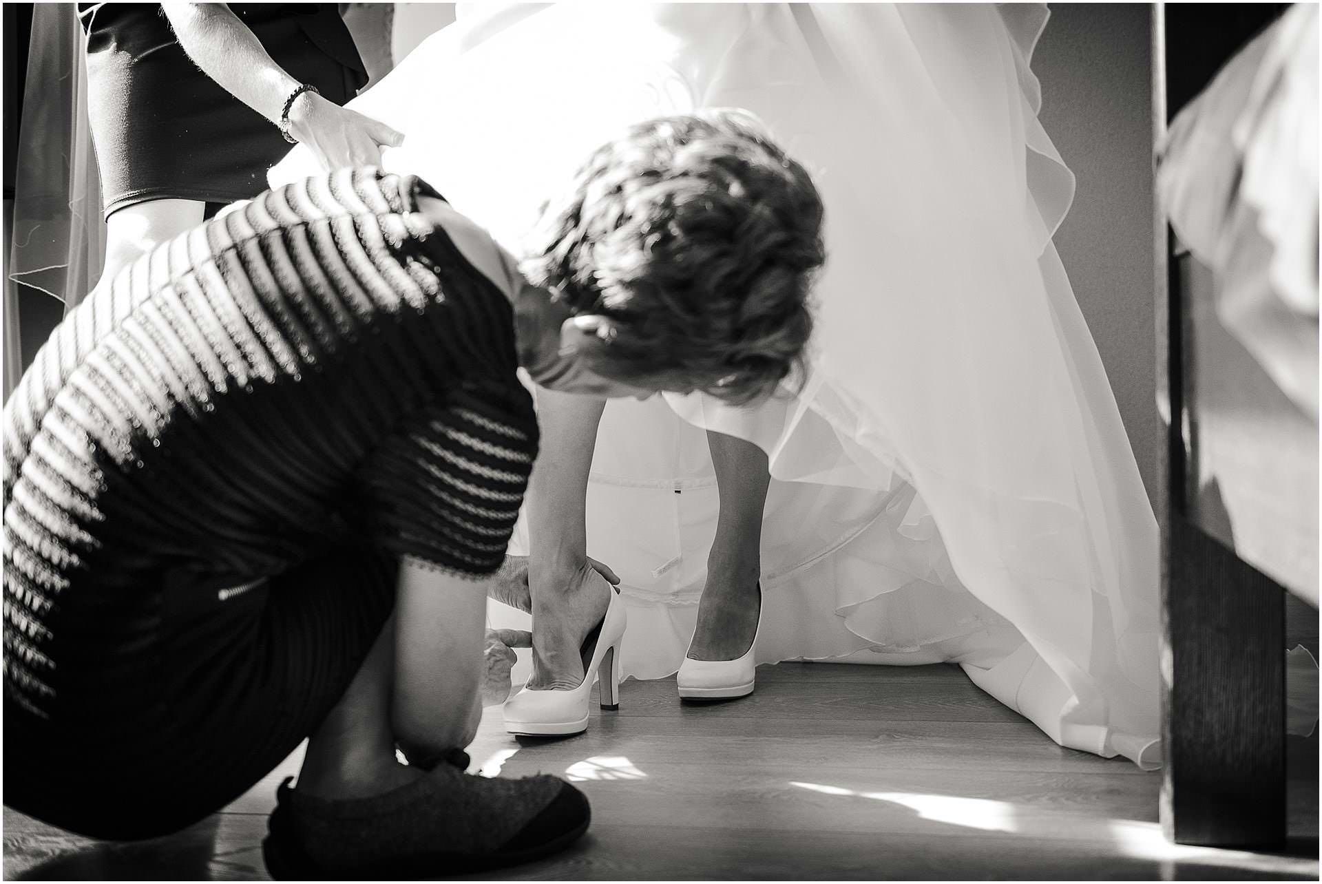 Bruidsfotografie Lithoijen (Oss) trouwen in eigen tuin door bruidsfotograaf Sandy Peters_0015.jpg