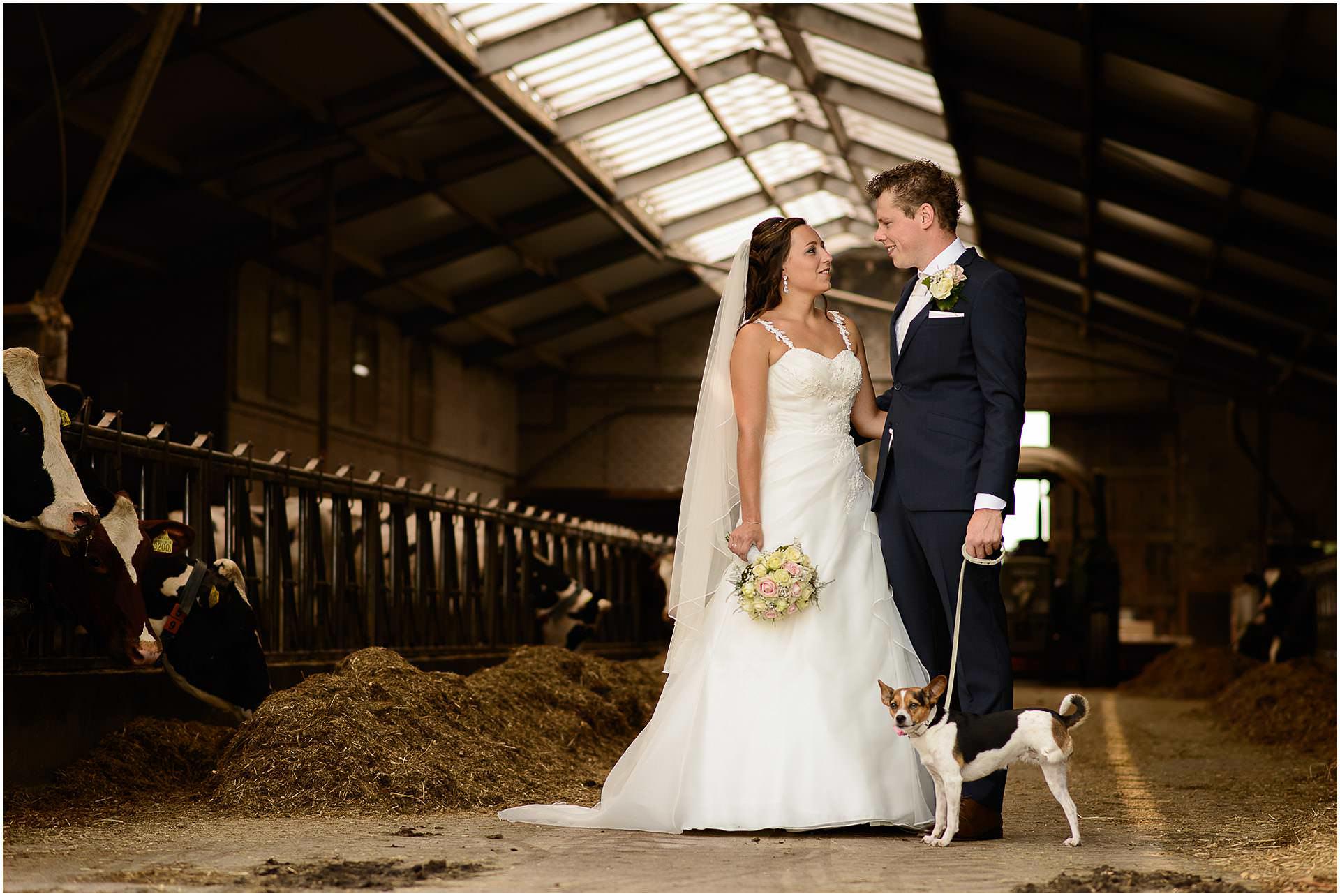 Bruidsfotografie Lithoijen (Oss) trouwen in eigen tuin door bruidsfotograaf Sandy Peters_0018.jpg