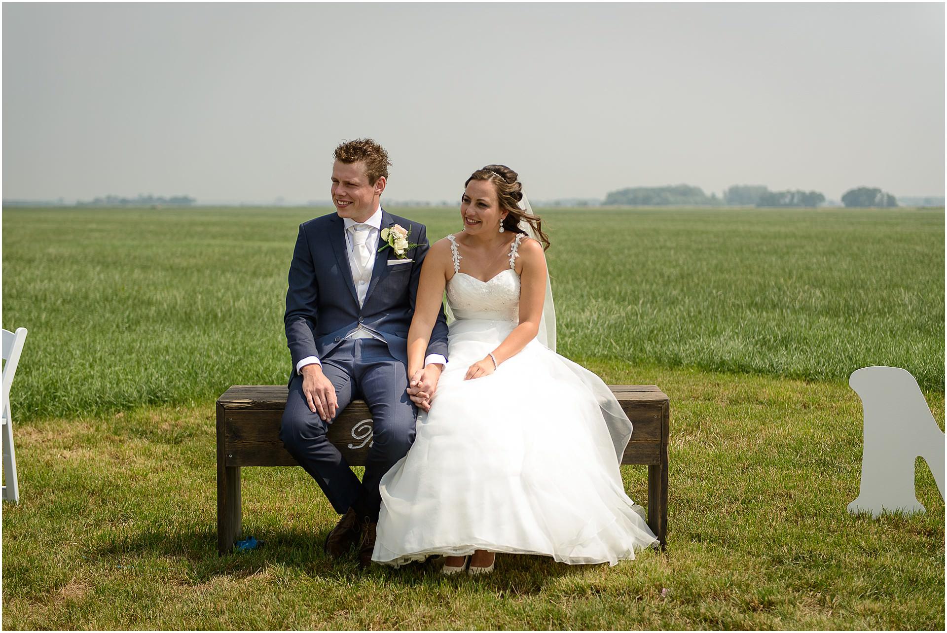 Bruidsfotografie Lithoijen (Oss) trouwen in eigen tuin door bruidsfotograaf Sandy Peters_0031.jpg