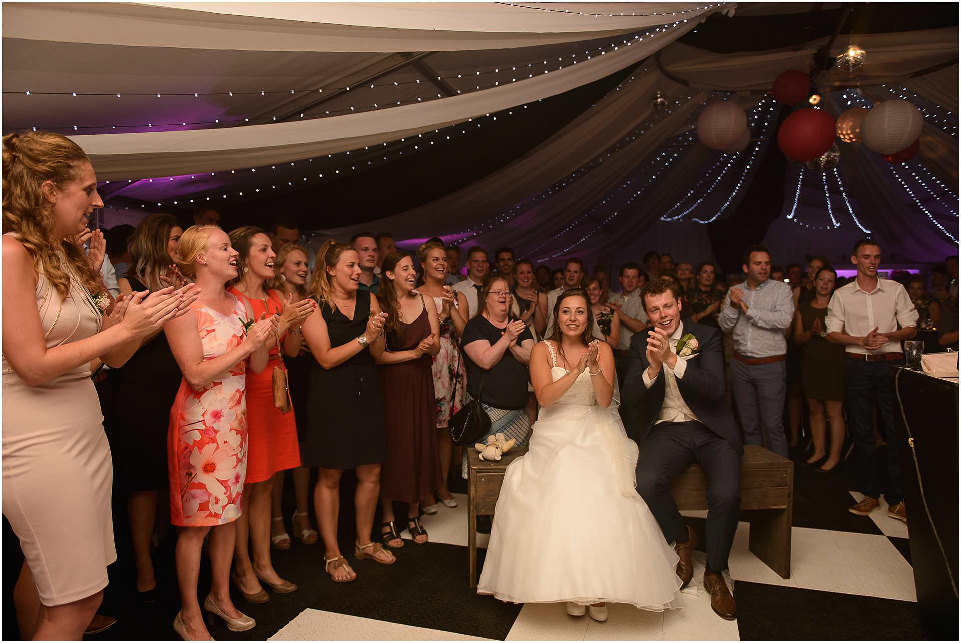 Bruidsfotografie Lithoijen (Oss) trouwen in eigen tuin door bruidsfotograaf Sandy Peters_0049.jpg