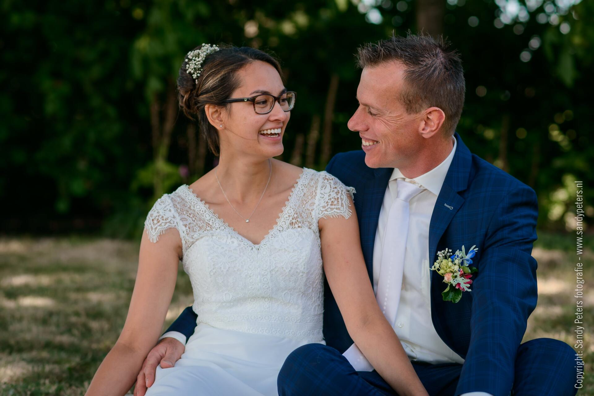Bruiloft op de boerderij in Haren bij Oss door Bruidsfotograaf Sandy Peters uit Brabant